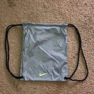 $5 or FREE NIKE BAG WITH BUNDLE